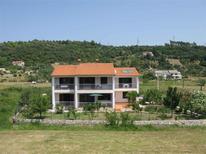 Ferienwohnung 419554 für 4 Personen in Palit