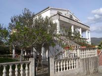 Appartement 420612 voor 9 personen in Pridraga