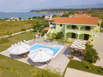 Ferienwohnung 421049 für 8 Personen in Ljubač bei Zadar