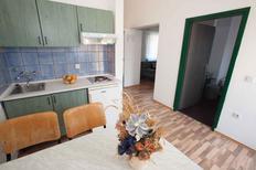 Appartamento 422272 per 6 persone in Sveti Filip i Jakov