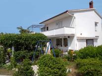 Ferienwohnung 423633 für 9 Personen in Lopar