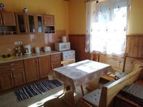Semesterlägenhet 425064 för 5 personer i Balatonszemes