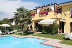 Ferienwohnung 425750 für 6 Personen in Lazise