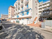 Ferienwohnung 437321 für 4 Personen in Rimini