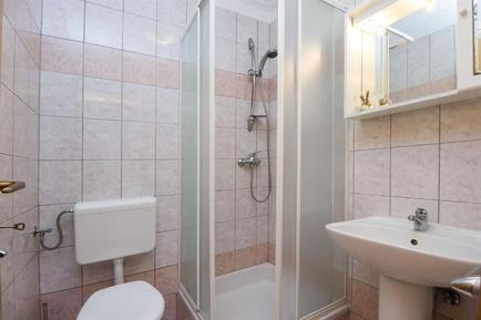 Für 6 Personen: Hübsches Apartment / Ferienwohnung in der Region Losinj
