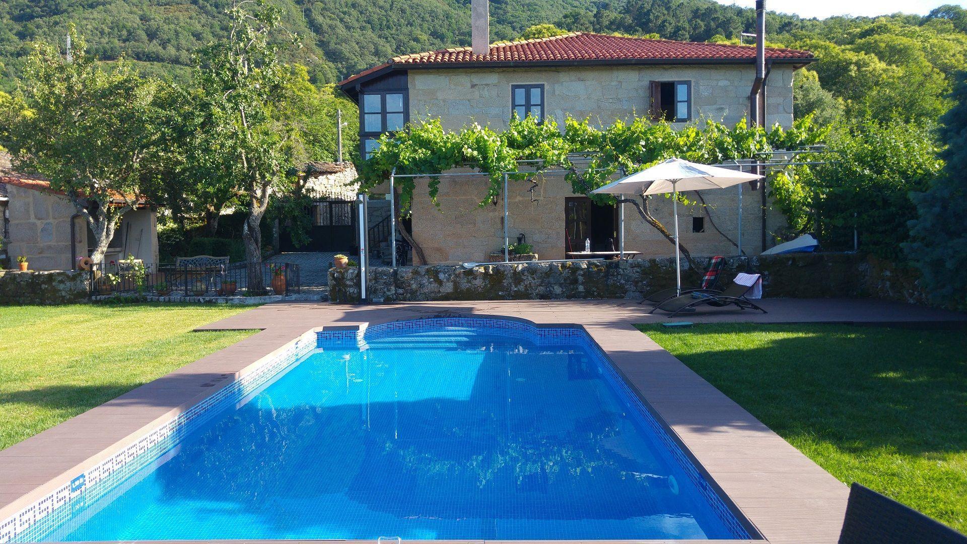 Ferienhaus mit Privatpool für 4 Personen  + 1 Bauernhof  Galizien