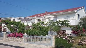 Ferienwohnung 460941 für 10 Personen in Ljubač bei Zadar