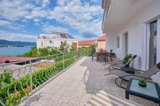 Appartement 464624 voor 6 personen in Mastrinka