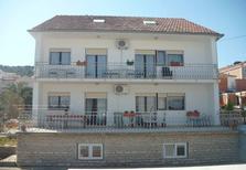 Appartement 464625 voor 6 personen in Mastrinka