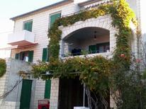 Appartement de vacances 465441 pour 5 personnes , Postira