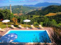 Vakantiehuis 474544 voor 14 personen in Acqualagna