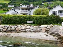 Ferienwohnung 477514 für 4 Personen in Leikanger
