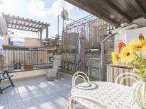 Ferienhaus 489601 für 4 Personen in Taggia