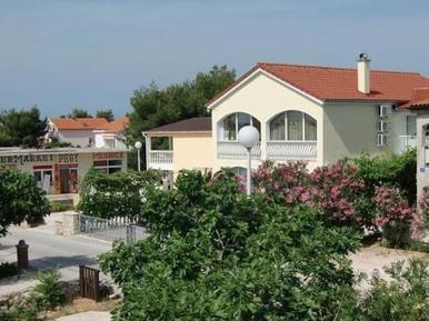 Gemütliches Ferienhaus : Region Vir für 13 Personen