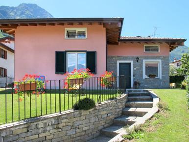 Gemütliches Ferienhaus : Region Oberitalienische Seen für 9 Personen