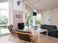 Vakantiehuis 603890 voor 8 personen in Øerne