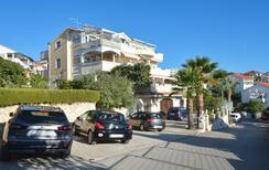 Appartement 608531 voor 6 personen in Okrug Gornji