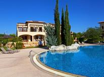 Ferienwohnung 614306 für 4 Personen in Paphos