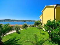 Ferienwohnung 614557 für 4 Personen in Supetarska Draga