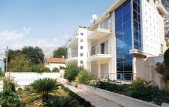 Ferienwohnung 614871 für 4 Personen in Dobrota