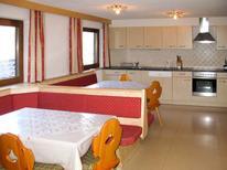 Ferienwohnung 618161 für 24 Personen in Mayrhofen