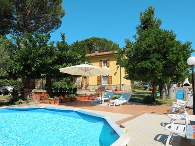 Gemütliches Ferienhaus : Region Pastina für 11 Personen