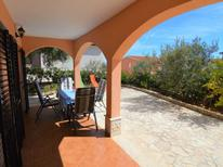 Appartement 618861 voor 4 personen in Trogir