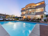Apartamento 618878 para 8 personas en Trogir