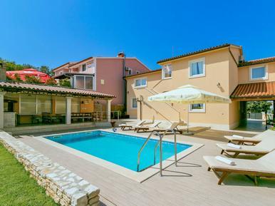Gemütliches Ferienhaus : Region Istrien für 16 Personen