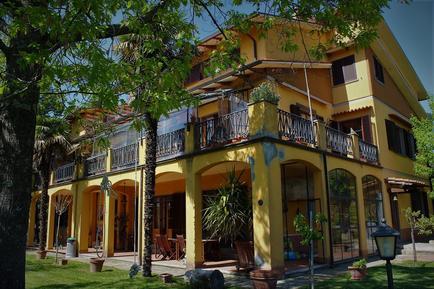 Gemütliches Ferienhaus : Region Pian di Sco' für 9 Personen