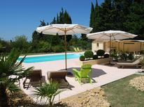 Appartement 630879 voor 8 personen in Valréas