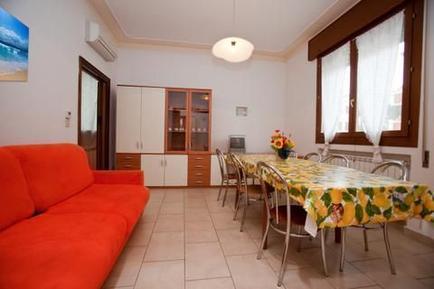 Für 12 Personen: Hübsches Apartment / Ferienwohnung in der Region Adria