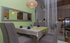 Mieszkanie wakacyjne 642639 dla 3 dorosłych + 2 dzieci w Makarska