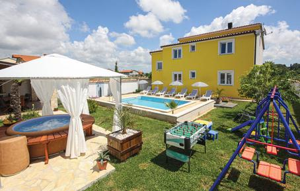 Gemütliches Ferienhaus : Region Istrien für 12 Personen