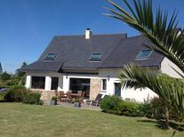 Holiday home 651059 for 7 adults + 1 child in Loctudy