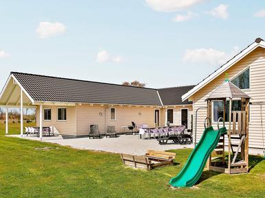 Gemütliches Ferienhaus : Region Falster für 20 Personen