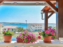 Ferienwohnung 653963 für 4 Personen in Kustići