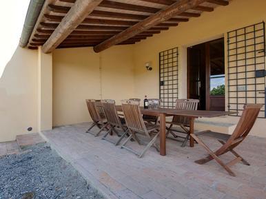 Gemütliches Ferienhaus : Region Capannoli für 8 Personen