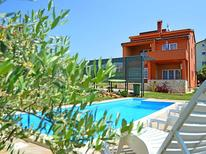 Villa 662164 per 10 persone in Cittanova
