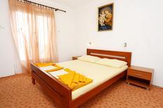 Appartement de vacances 665897 pour 2 personnes , Trpanj