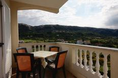 Holiday apartment 669188 for 5 persons in Mundanije