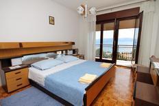 Appartement 669639 voor 6 personen in Novi Vinodolski