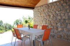 Ferienwohnung 669787 für 5 Personen in Oprič