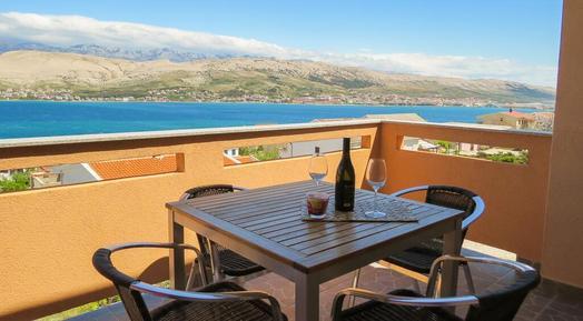 Für 4 Personen: Hübsches Apartment / Ferienwohnung in der Region Pag