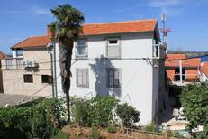 Holiday apartment 674049 for 3 persons in Tkon