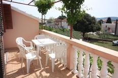 Appartement de vacances 674151 pour 2 personnes , Turanj