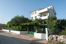 Ferienwohnung 674155 für 4 Personen in Turanj