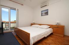 Appartement 675331 voor 2 personen in Baska Voda