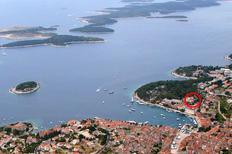 Ferienwohnung 676255 für 4 Personen in Hvar