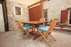 Ferienhaus 676543 für 9 Personen in Komiža